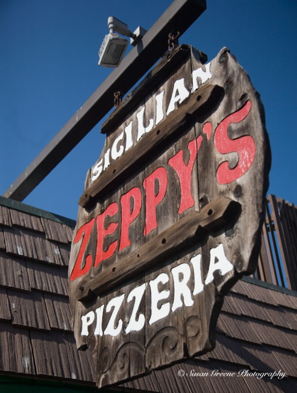 Zeppy's pizzeria sign