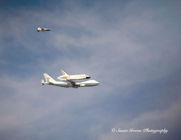 space shuttle and 747 in flight