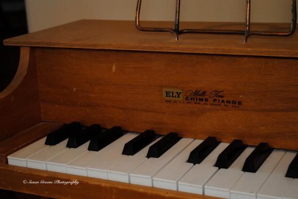 diffused flash kid piano