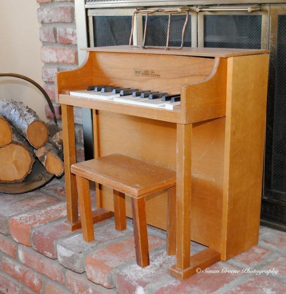 kid piano w- flash