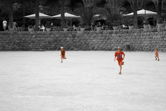children running color accent