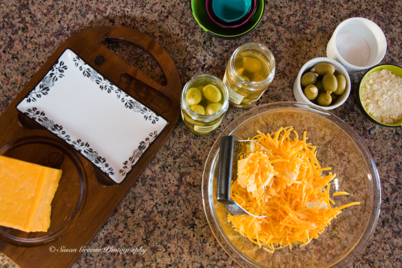 olive cheese ball appetizer ingredients